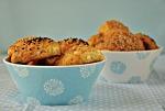 Τυροπιτάκια με ελαιόλαδο και γιαούρτι