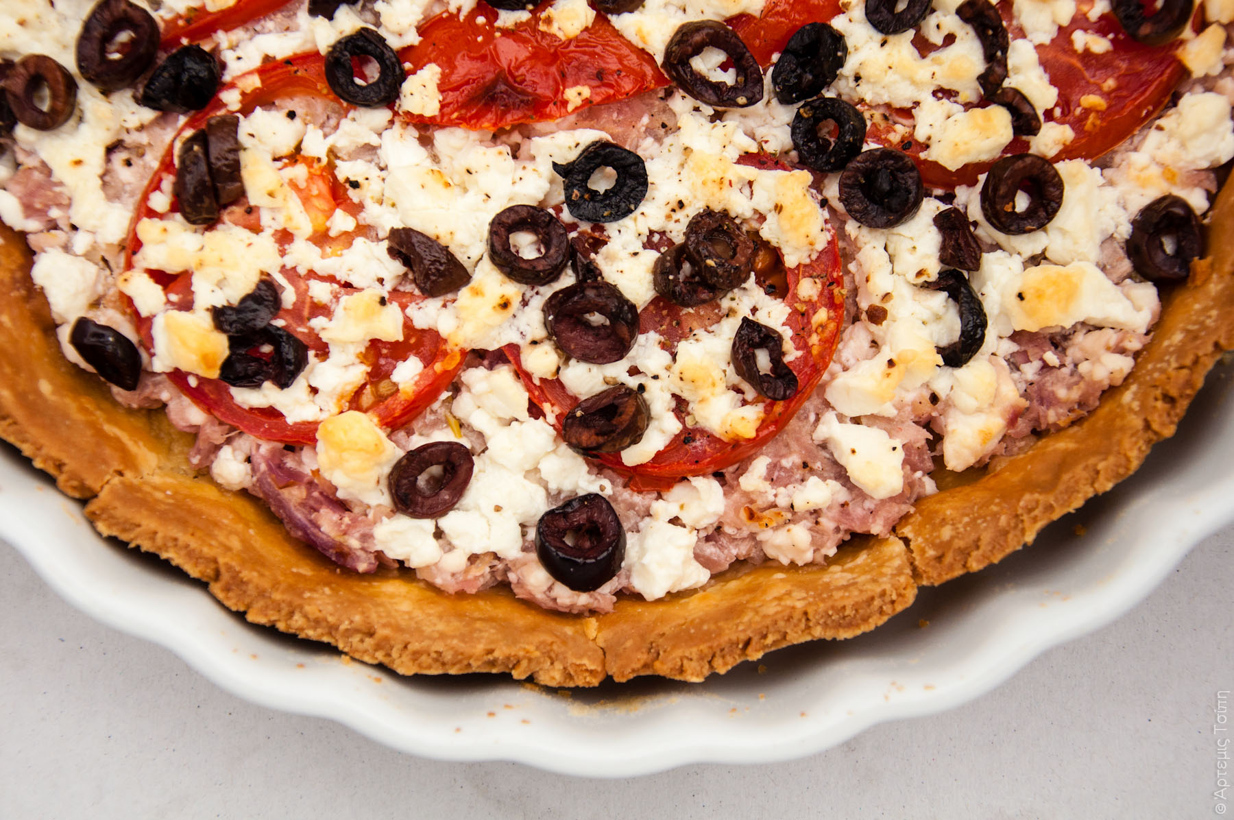 tart_goat cheese_tomato_olives_onions